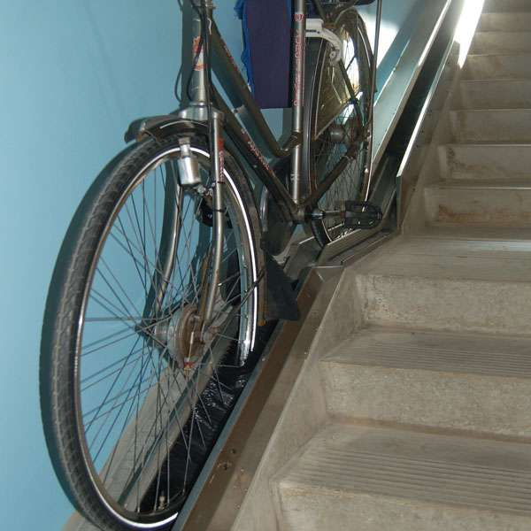 Cycle Parking | Advanced Cycle Products | VeloComfort® Automated Cycle Wheel Ramp | image #11 |