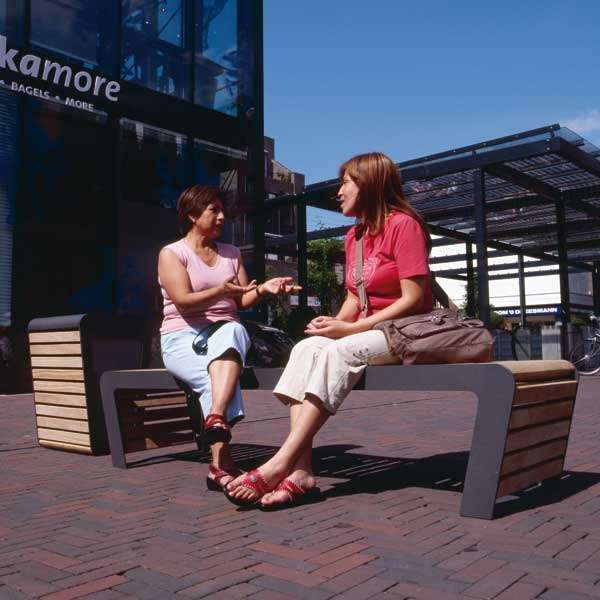 Street Furniture | Seating and Benches | FalcoLinea Bench | image #4 |