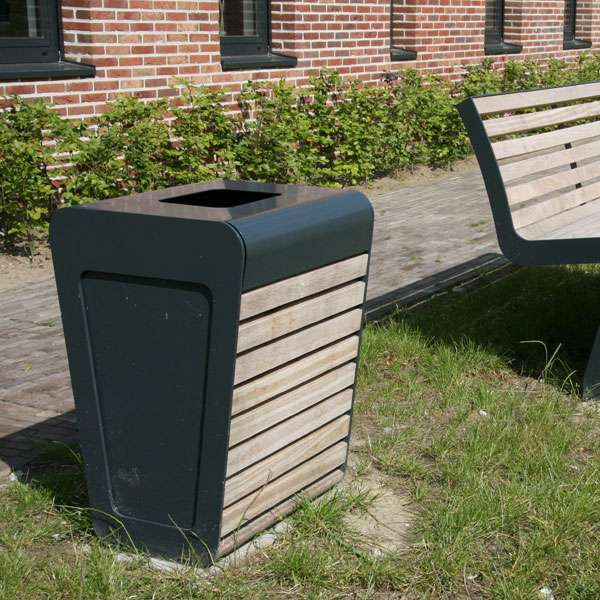 Street Furniture | Litter Bins | FalcoLinea Litter Bin | image #10 |